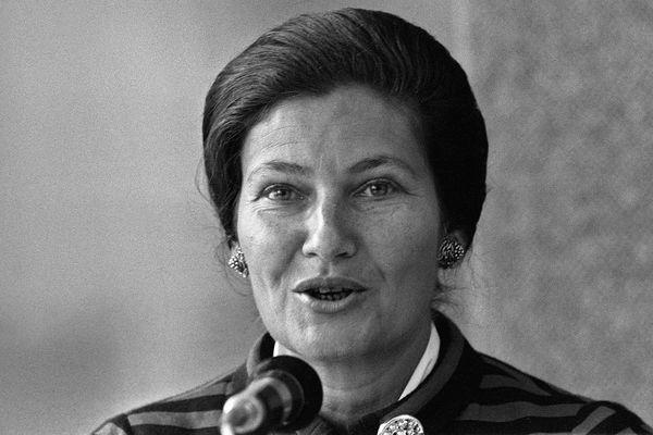 Simone Veil, ministre de la Santé (1975)