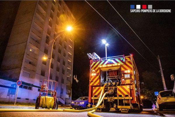 Le feu a pris dans la cave de cette tour de 11 étages située dans le quartier du Gour de l'Arche à Périgueux