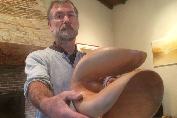 Etienne Loiseau tourneur d'art sur bois à St Michel le Cloucq (85)