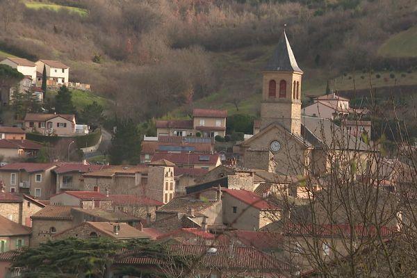 L'hôpital médian du sud-Aveyron pourrait voir le jour ici, à Saint Georges de Luzençon, petite commune entre Millau et Saint-Affrique.