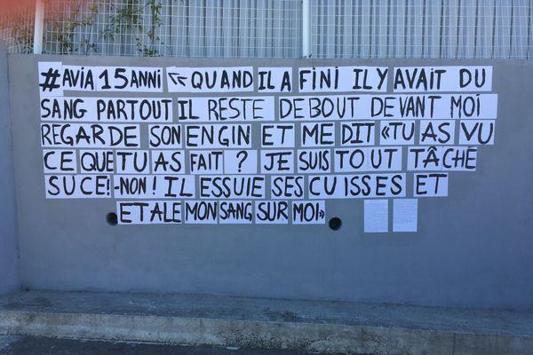 Un des récits collés sur les murs d'Ajaccio.