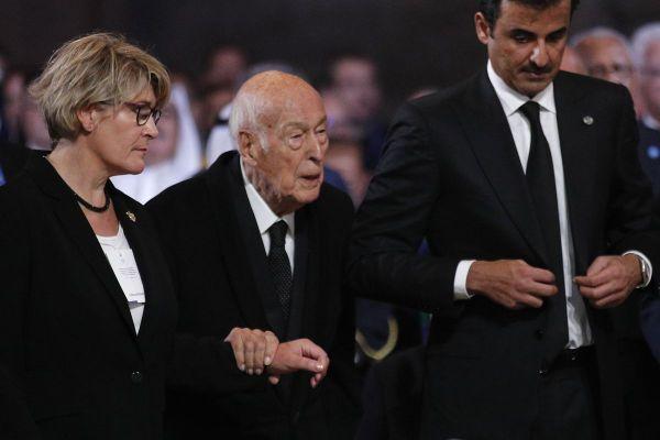 Politique - Valéry Giscard d'Estaing hospitalisé à Paris