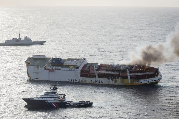 Le Remorqueur d'Assistance d'Intervention et de Secours ''Abeille Bourbon'', basé à Brest, est intervenu lors de l'incendie du cargo Grande America en avril 2019. Le feu a eu raison du navire qui a coulé avec 2 000 t de fuel à bord ainsi que des matières dangereuses