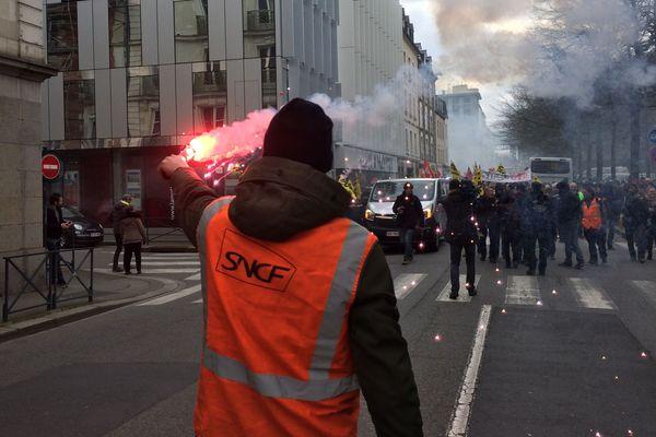 Les cheminots étaient également dans la rue, ce jeudi 22 mars.