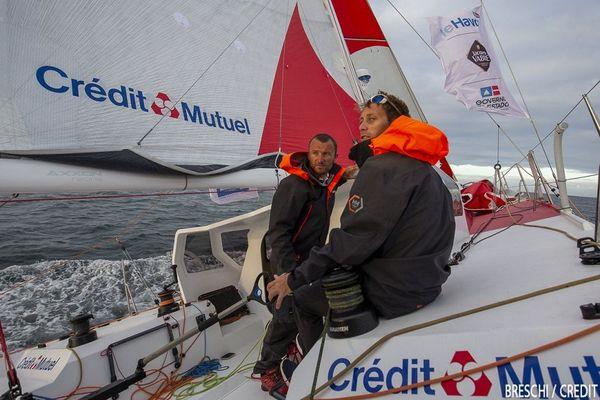 Adrien Hardy et Ian Lipinski grattent les milles d'avance à bord de leur Class40 Crédit Mutuel