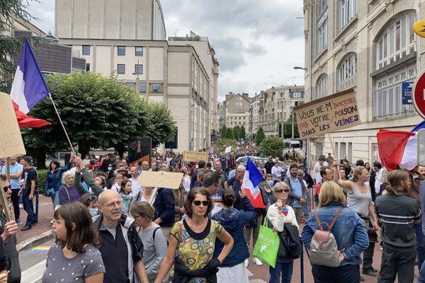 Entre 1000 et 1500 manifestants ont défilé sans heurts dans le centre ville de Limoges.