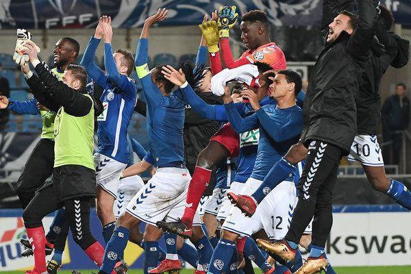 Les joueurs de Strasbourg, qualifiés à l'issue de leur match contre Lille.