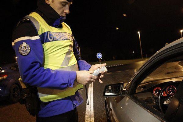 Le taux d'alcoolémie des conducteurs disposant d'un permis probatoire est abaissé de 0,5g/l à 0,2 g/l de sang.