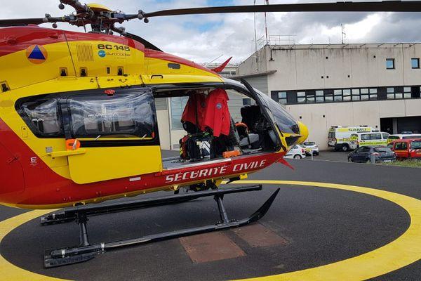 L'hélicoptère de la sécurité civile Dragon 63 est intervenu dans l'Allier vendredi 3 juillet après une collision entre deux motos.