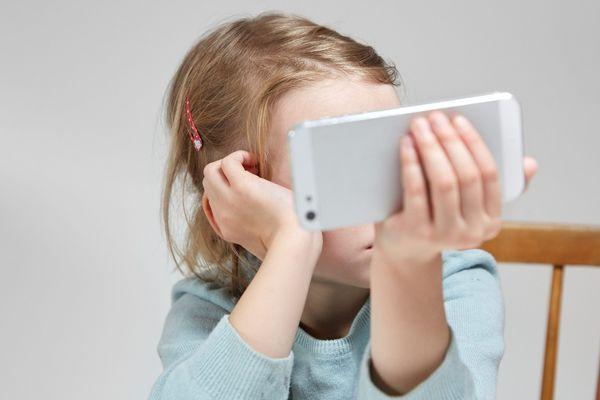 Pendant près de trois heures, les parents d'élèves de l'école des Hauts de Valières ont pu débattre autour de la question de l'usage des écrans.