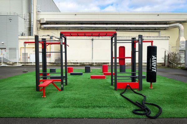 Sur le campus de Bobigny, un équipement sportif complet à la disposition des étudiantes et étudiants.