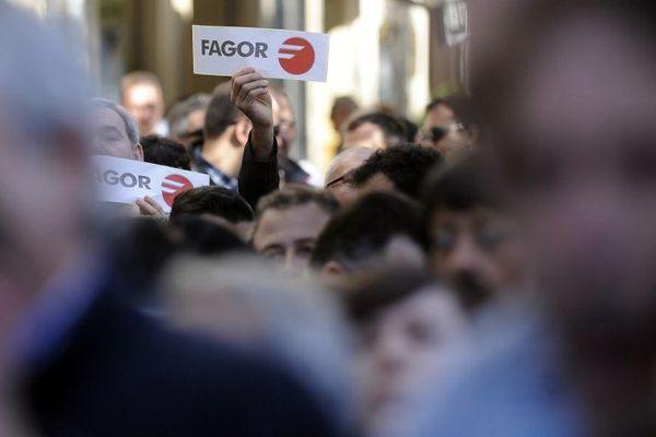 La colère des employés de la coopérative basque Mondragon, la maison mère de FagorBrandt.