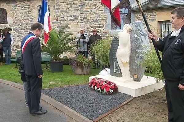 En France, environ 250 communes sur plus de 36 000 n'ont à ce jour aucun monument aux morts.
