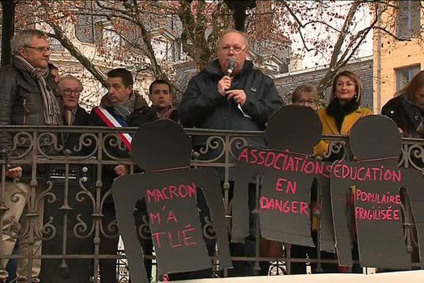 Responsables d'associations et élus étaient présents.