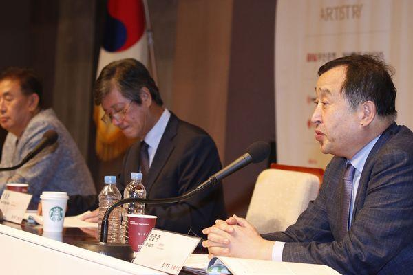 Jay Jeon, directeur du festival international du film de Busan (Corée du Sud) a accepté de prendre la direction du jury international de la  26ème édition du festival des films d'Asie de Vesoul, en Haute-Saône.