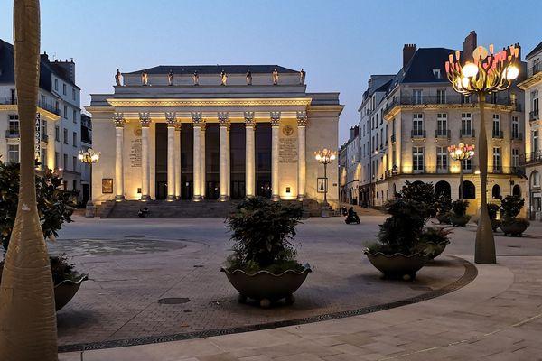 Nantes confinée, la place Graslin, avril 2020