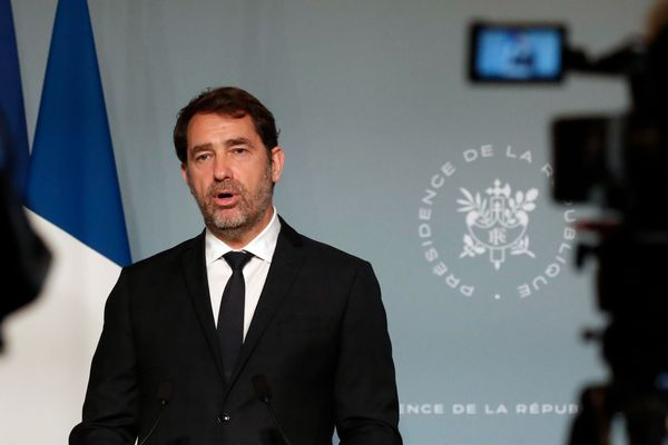 Christophe Castaner a annoncé ce dimanche un possible retour au domicile principal pour motif professionnel ou familial impérieux.