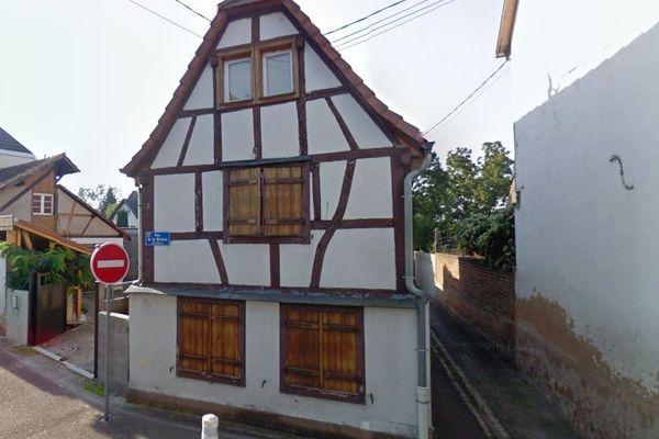 La maison de la famille Schuch existe toujours: elle se trouve au 2 rue de la Rivière, à Brumath.