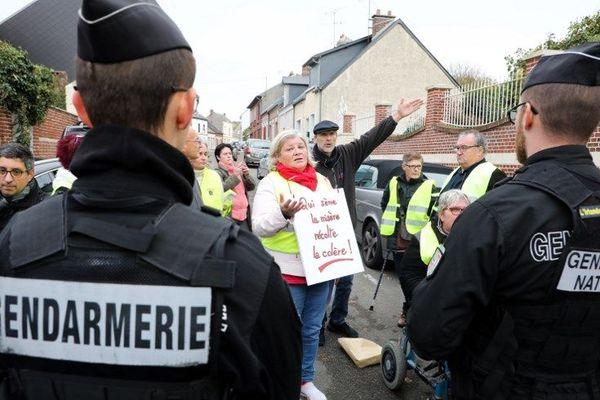 Plusieurs manifestants ont été portés par des CRS
