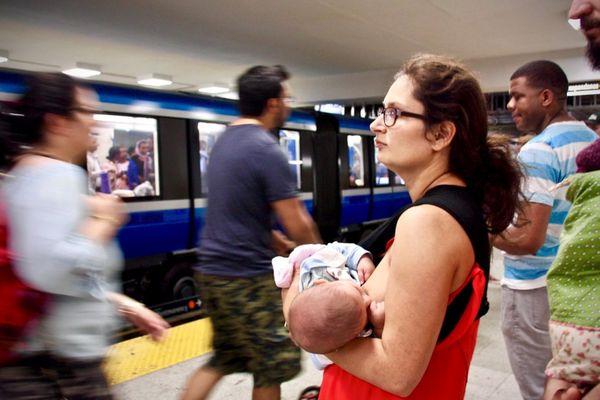 Par trop de discrétion des mères, avons-nous oublié que donner le sein est un geste naturel ? (illustration)