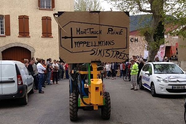 Tuchan (Aude) - manifestation pour la survie de la coopérative viticole - 11 avril 2014.
