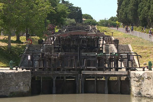 Les 9 écluses de Fonséranes sur le Canal du Midi à Béziers - juillet 2020.