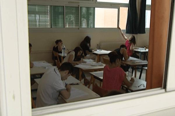 Les candidats à l'épreuve de catalan au Bac sont de plus en plus nombreux au Lycée Arago à Perpignan - juin 2014.