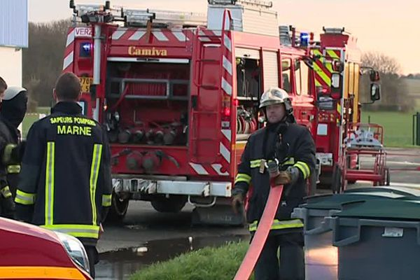 Un incendie s'est déclaré jeudi 23 novembre à 5h15 dans un entrepôt de l'entreprise Novae Aerospace.