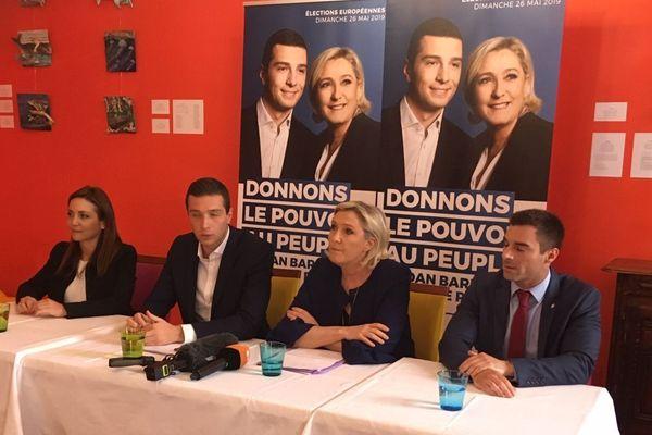 Marine Le Pen, présidente du Rassemblement national, et Jordan Bardella, la tête de liste RN aux élections européennes, sont en campagne dans l'Yonne la tête de liste RN aux élections européennes, sont en campagne dans l'Yonne mardi 21 mai 2019