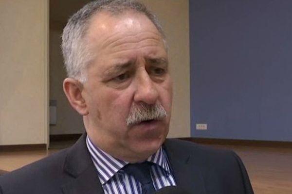 André Villiers, président UDI sortant du conseil général a appelé à l'union sacrée face au FN