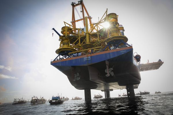 Le 7 mai, les pêcheurs ont manifesté au large de Saint-Brieuc contre l'implantation des éoliennes en mer