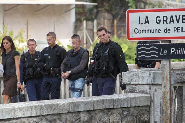 Le 12 septembre 2013, reconstitution du meurtrier présumé du gendarme de Peille le major Daniel Brière à la Grave de Peille.