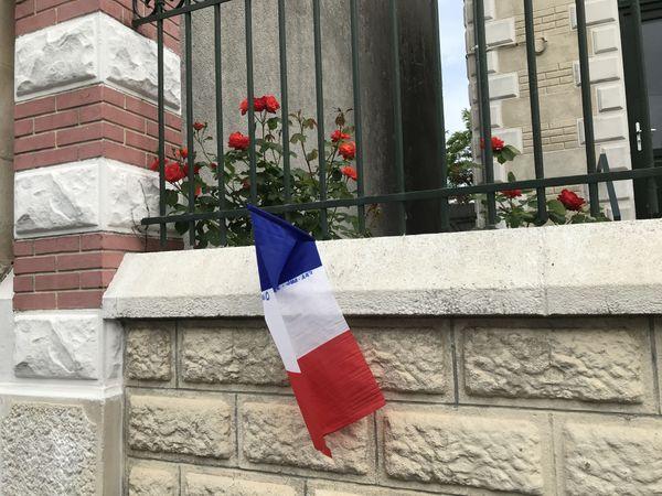 Des Berruyers ont pavoisé la devanture de leurs maisons pour commémorer le 8 mai 1945.
