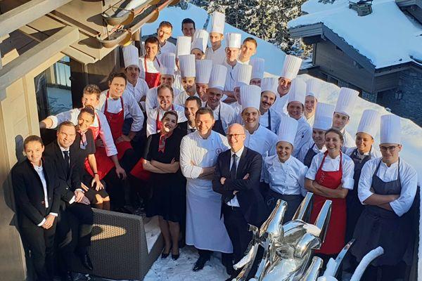 Les équipes de salle et de cuisine du K2, le palace de Courchevel