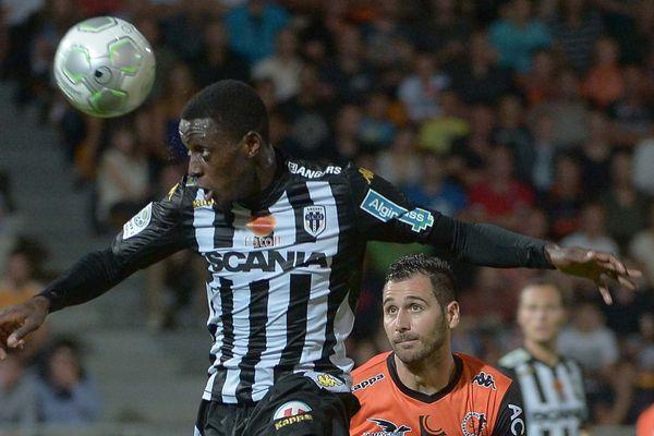 Lors du match entre le Stade Lavallois et le SCO d'Angers en septembre 2014