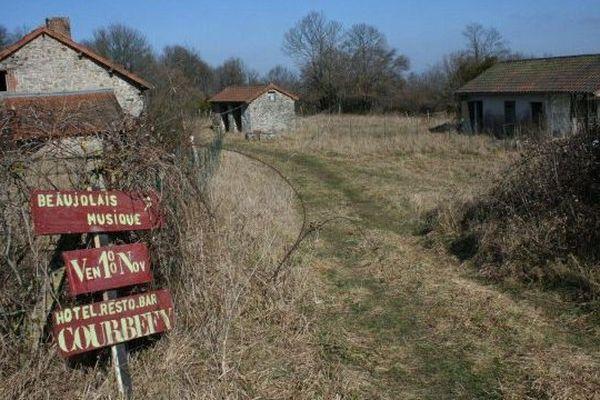 Le village de Courbefy, Bussière-Galant (Haute-Vienne) à l'époque de la vente en 2012