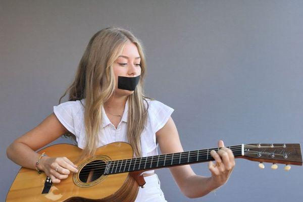 Rose Giuseppi, la jeune interprète corse de Briser le silence