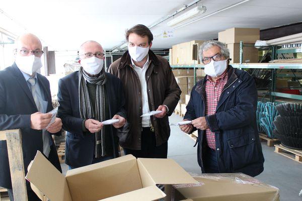 100 000 masques réceptionnés par les élus de Limoges Métropole pour 15 communes ce jeudi 30 avril
