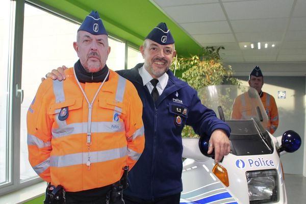 Les faux policiers ressemblent à s'y méprendre aux vrais...