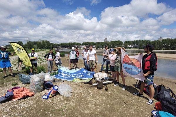 Récolte de déchets à Orléans, le 20 juin 2021.
