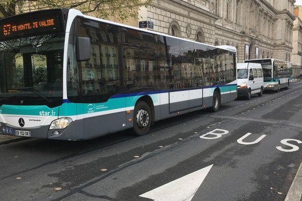 Bus en centre-ville de Rennes