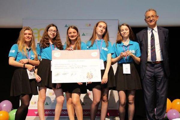 Les collégiens de Jargeau remportent le premier prix avec So'Clip
