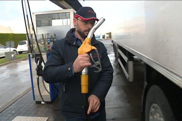 Anthony Fabien est le patron d'une PME de transport. Son entreprise consomme un million de litres de carburant par an.