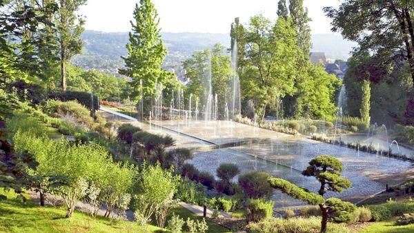 """Les créations contemporaines des """"jardins de l'imaginaire"""" à Terrasson-Lavilledieu (24) sont à découvrir lors des Rendez-vous au jardin."""