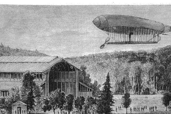 """""""La France"""" :  le premier ballon dirigeable à réaliser un vol en circuit fermé."""