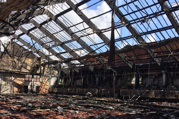 Un violent incendie a ravagé la salle omnisports de Sierentz hier soir