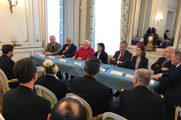La préfète d'Eure-et-Loir et les élus étaient réunis lundi 30 décembre pour signer le CRSD.