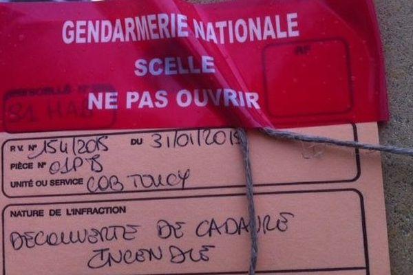 Les gendarmes mènent l'enquête sur le corps carbonisé qui a permis d'identifier la victime. Les circonstances de sa mort restent à déterminer.