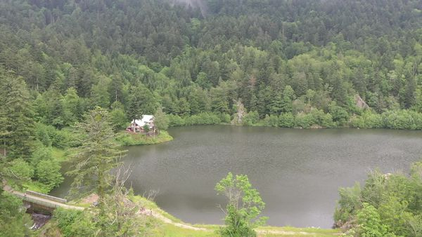 L'un des deux lacs du Neuweiher.