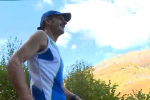 Le retro runner de 57 ans est aussi un coureur de trails et de marathons